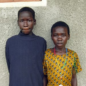 Peopleweaver - Sudanese girls asking to go to school